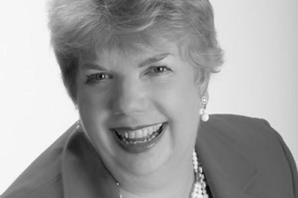 Carol McManus headshot